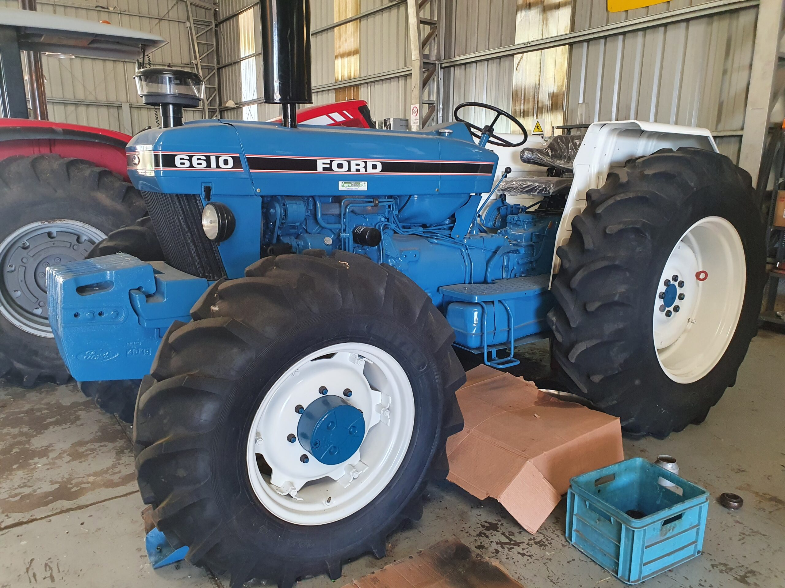 Tractor ford 6610.
