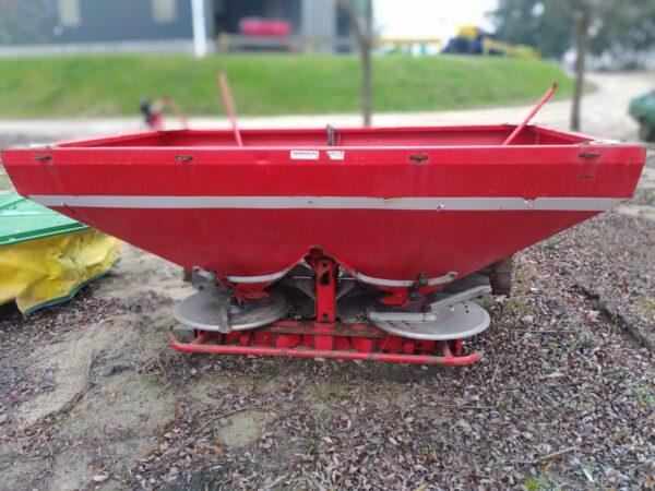 Fertilizadora Usada Marca AGRIKON modelo 1200 Lts